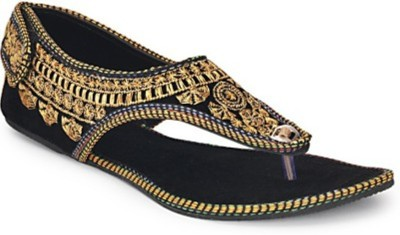 STEP INDIA Girls Gold Sandals