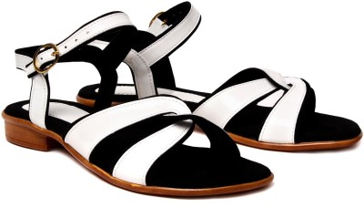 Nell Women White Flats