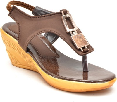 Lee Walk Women Brown Wedges