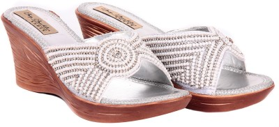 Big Buckles Moon Lite Women White, Silver Wedges