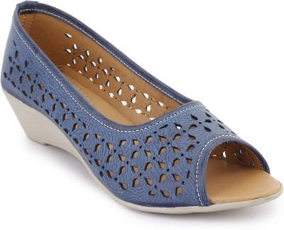 Metrogue Women Blue, White Wedges