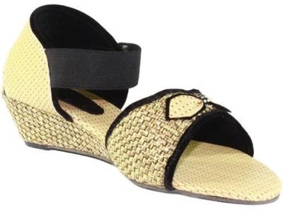 Footlooks Girls Beige Sandals