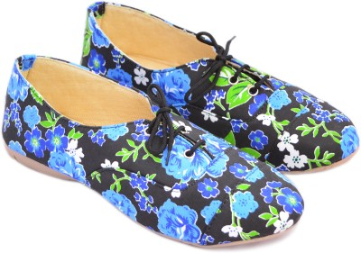 Myra Printed Casual Shoes