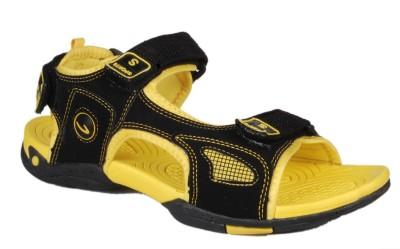 Hitcolus Men Yellow, Black Sandals