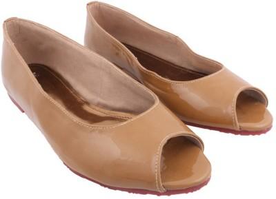 Shoya Designs Women Beige Flats