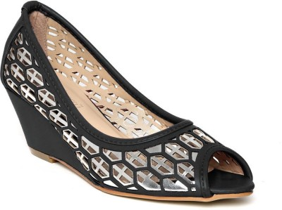 Dressberry Women Black Wedges at flipkart