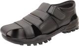 Kolapuri Center Men Black Sandals