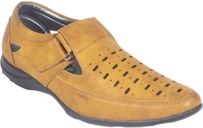BIG JUNIOR Men Tan Sandals