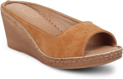 La Briza Women Tan Wedges