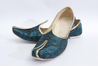 ASHIRWAD Men Green Sandals