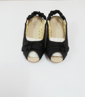 Kidzstory Girls Black Sandals