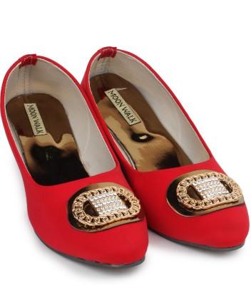 Moonwalk Women Red Wedges