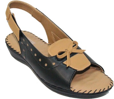 Florentyne Women Black Flats