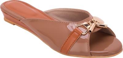 Trotters Women Brown Flats