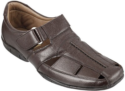 Metro Classic Men Brown Sandals