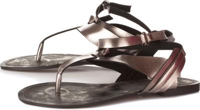 Vero Couture Women Grey Flats