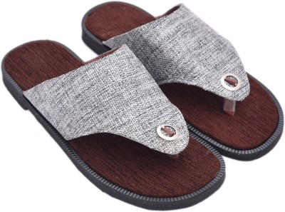 Sapphire Men Brown, White Sandals
