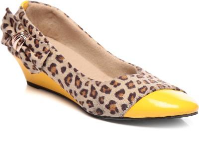 Bonzer Women Brown, Yellow Wedges