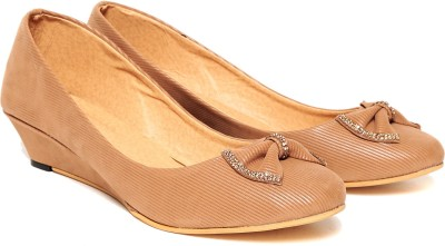 Lovely Chick Women Brown Wedges