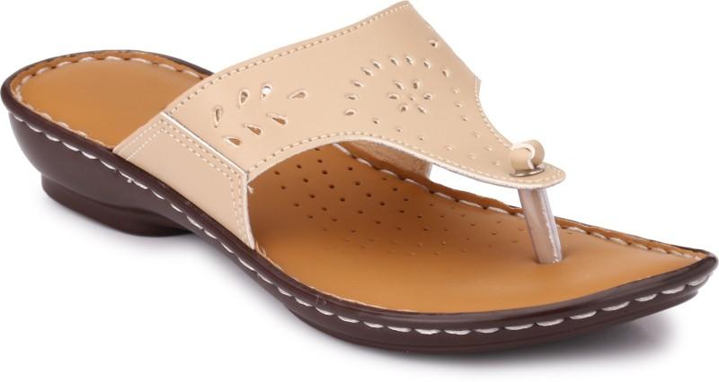 Lagesto Women Beige Flats