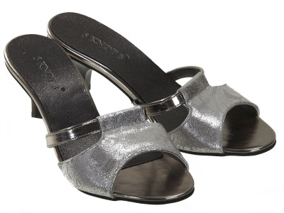 5 Knot 3 Women Grey, Black Heels