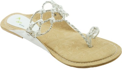 AM by Penny Women White Flats