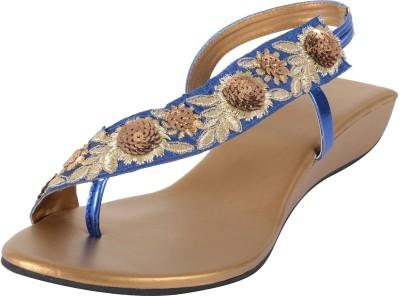 PRAAGS Women Blue, Gold Heels