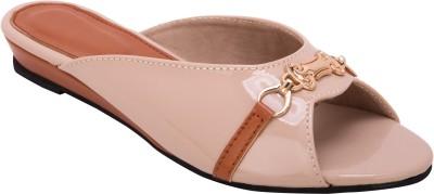 Trotters Women Tan Flats