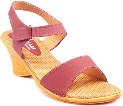 Dream Selection Women Maroon Wedges