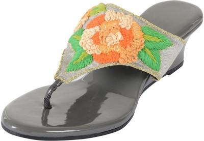 PRAAGS Women Grey, Orange Heels