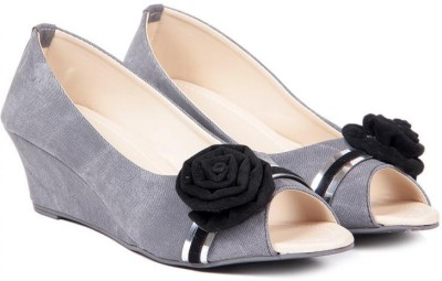 TEN Women Grey Wedges
