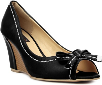 Kz Classics Women Black Wedges