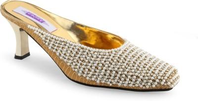 Aashka Women Gold Heels