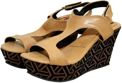 Port Women Tan Heels