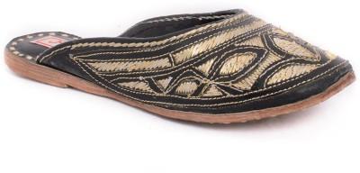Mojari Women Black, Gold Flats
