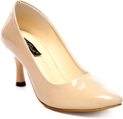 Wellworth Classic Pumps Women Camel Heels