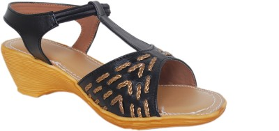 Sandhills Women Black Wedges