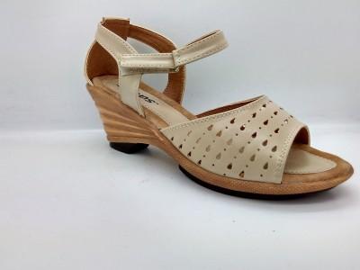 Spacial Women White Sandals