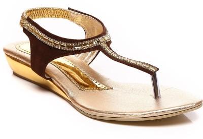 Bonzer Women Brown, Gold Wedges