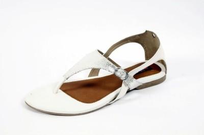 mee style Women White Flats
