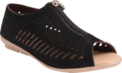 Motion Women Black Flats