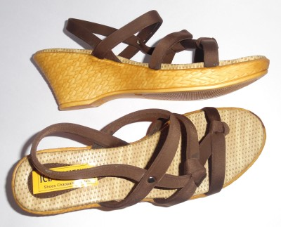 Ice Womeniya Women Brown Wedges