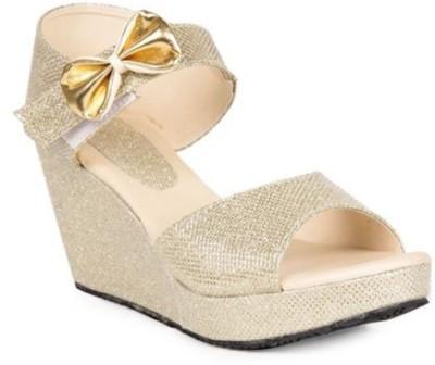 stellotoes Women Gold Wedges