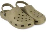 Footista Men Green Clogs