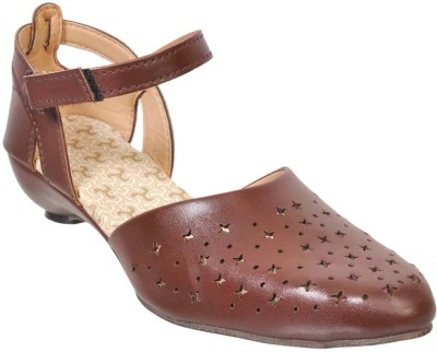 Fescon Women Brown Sandals