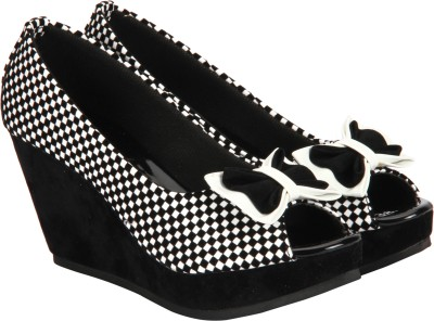 Pariz Women White, Black Wedges