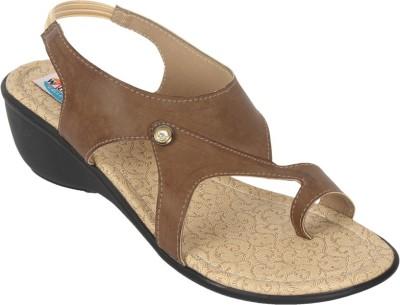walk n style Women Brown Heels