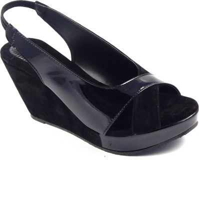 INDIANO Women Black Wedges