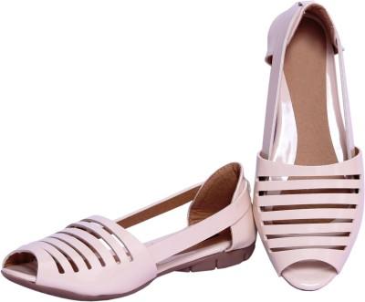 Pu-Good Women White Flats