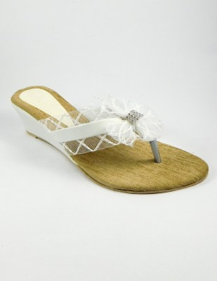INDIANO Women White Wedges